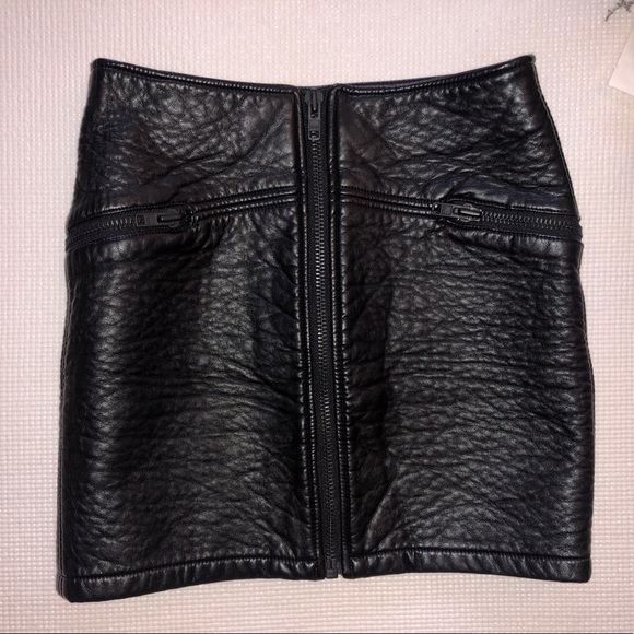 H&M Dresses & Skirts - Faux Leather Zip front Leather Skirt